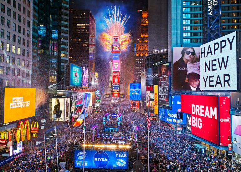 happy-newyear-2018-usa-uk-times-square